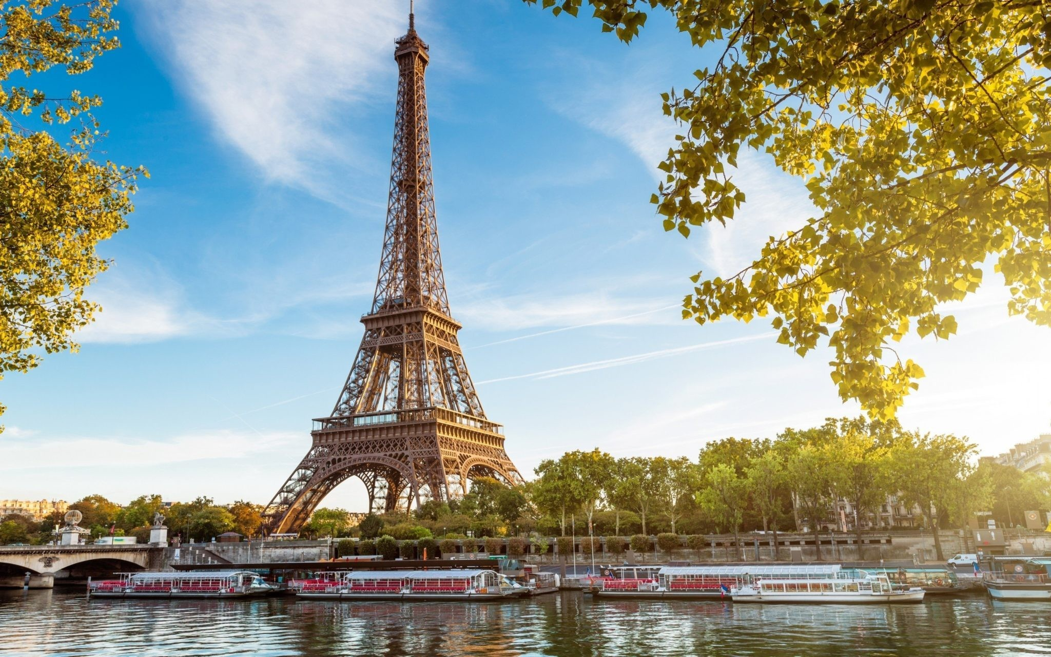 Paris Honeymoon Tour Package 9811042001